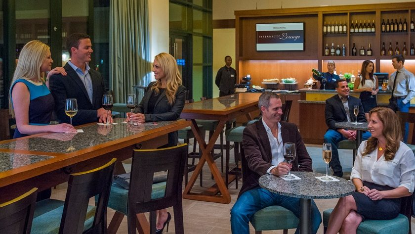 Guests enjoy a beverage in the Intermezzo Lounge
